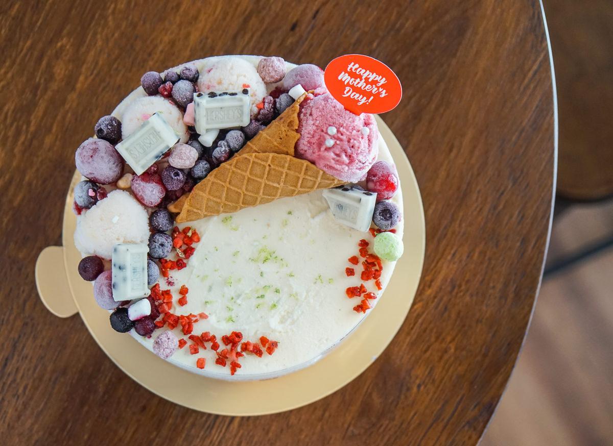 [高雄]邊邊。義式冰淇淋工坊-賣翻天冰淇淋蛋糕!低熱量天然好吃水果冰 @美食好芃友