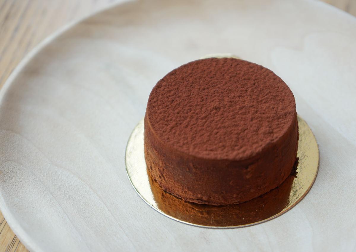 [台中甜點推薦]1%Bakery手作乳酪蛋糕-玻璃屋享美味乳酪蛋糕~特濃芋頭重乳酪超推 @美食好芃友