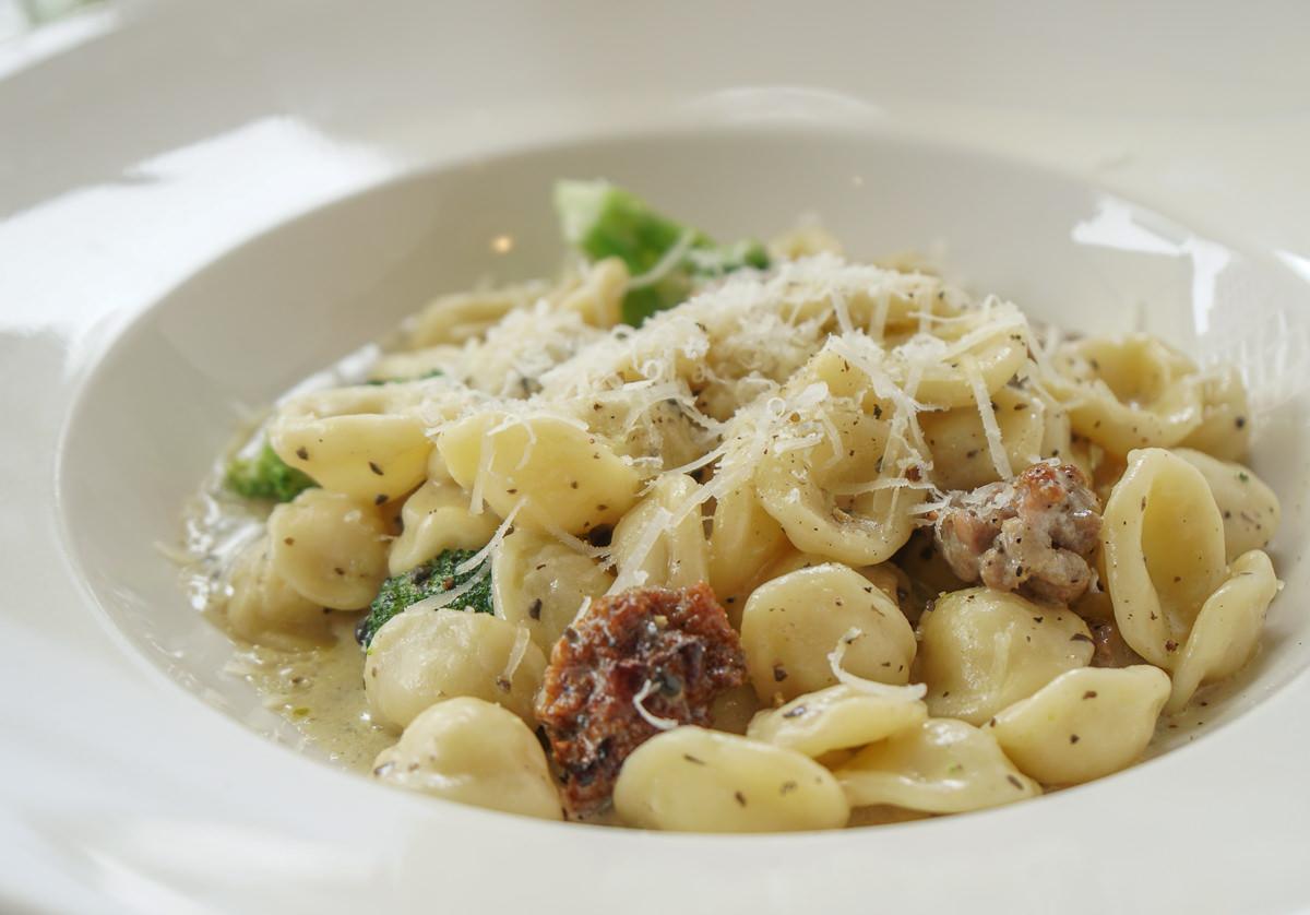 [高雄美術館美食推薦]all'Onda浪。義大利慢食廚房-尋找經典義式味道!必吃海鮮燉飯x貓耳麵 @美食好芃友