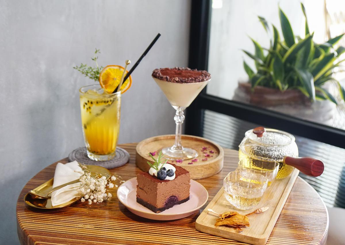 [高雄下午茶推薦]小島茶酒-白天茶館x夜晚酒館~迷人微醺氣圍享甜點 @美食好芃友