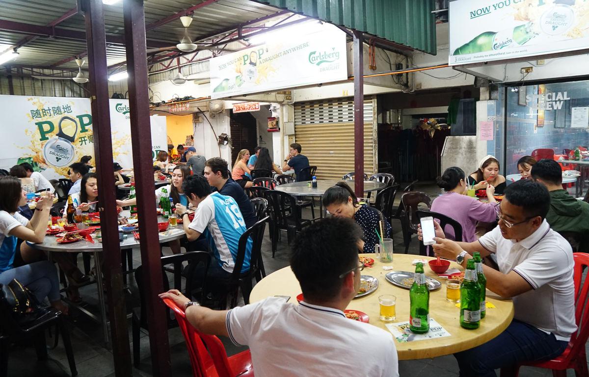 [馬來西亞美食推薦]亞羅街夜市黃亞華小吃店-來這必點沙嗲和烤雞翅 @美食好芃友