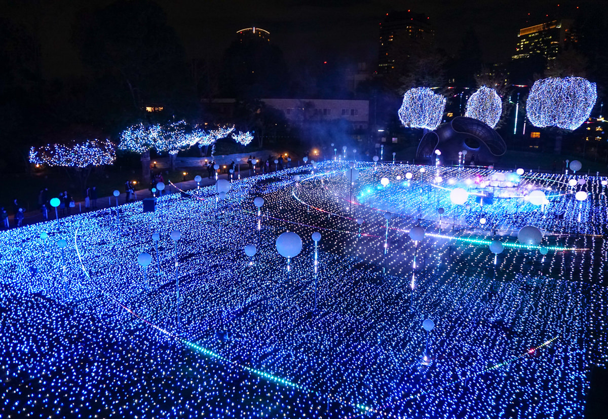 [東京聖誕點燈]六本木Tokyo Midtown2018聖誕點燈~超壯觀!奇幻感宇宙光球 @美食好芃友