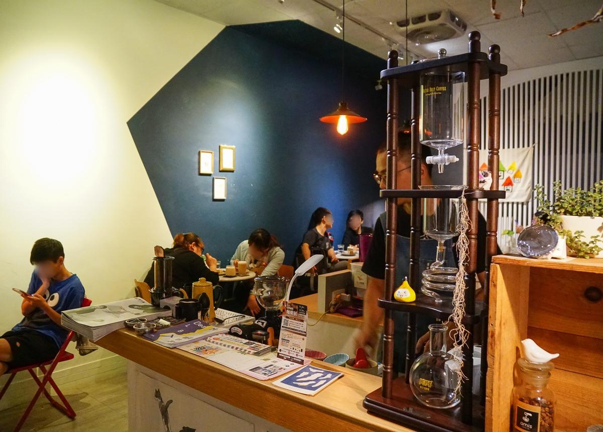 [高雄咖啡店推薦]Amis Cafe-週末晚間限定!隱藏巷弄的大人味甜點 @美食好芃友
