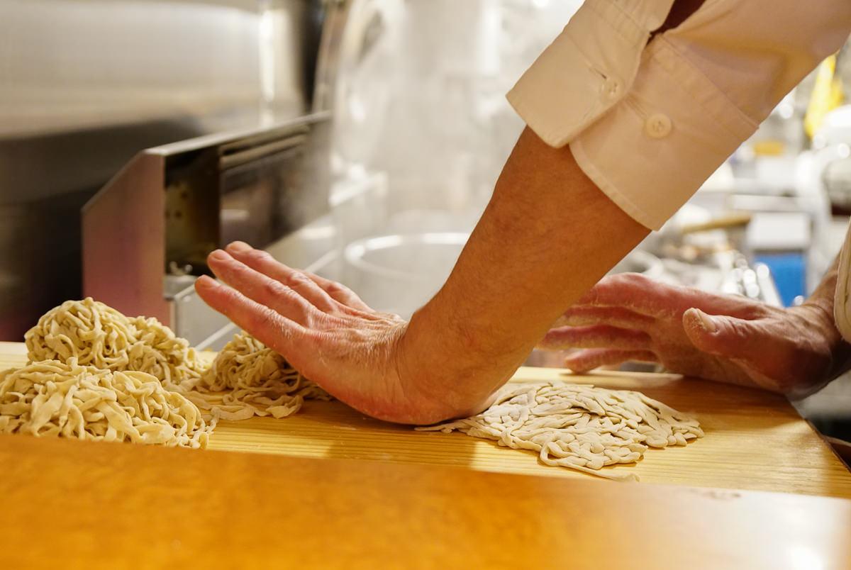 [東京拉麵推薦]麺みつヰ-絕美香醇醬油雞湯x自製手工麵條~隱藏版淺草美食推薦 @美食好芃友
