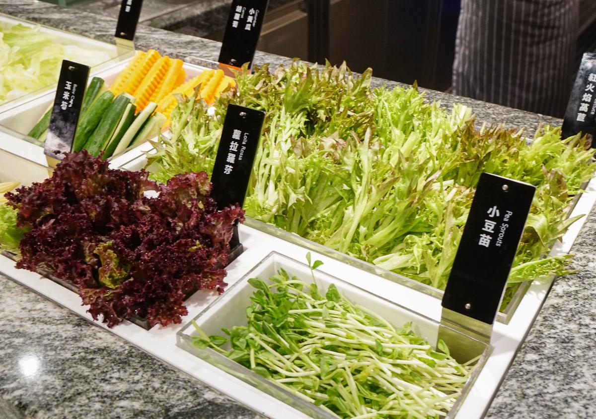 [高雄]果然匯蔬食宴(夢時代店)-顛覆想像蔬食吃到飽!餐點多口味精緻x綠意環境超時尚 @美食好芃友