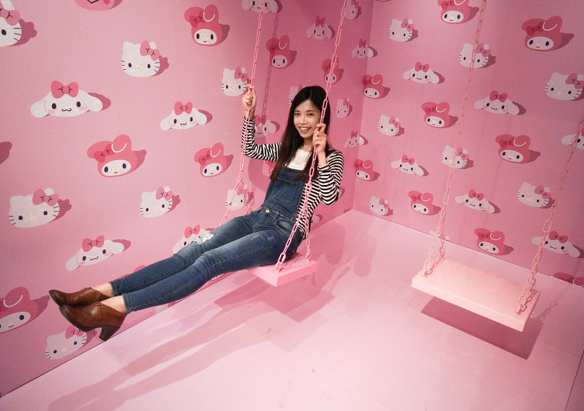 [台北華山展覽]三麗鷗Pinkholic粉紅閨蜜期間限定店~拍不完粉紅場景、限量商品展、好吃粉紅餐車 @美食好芃友