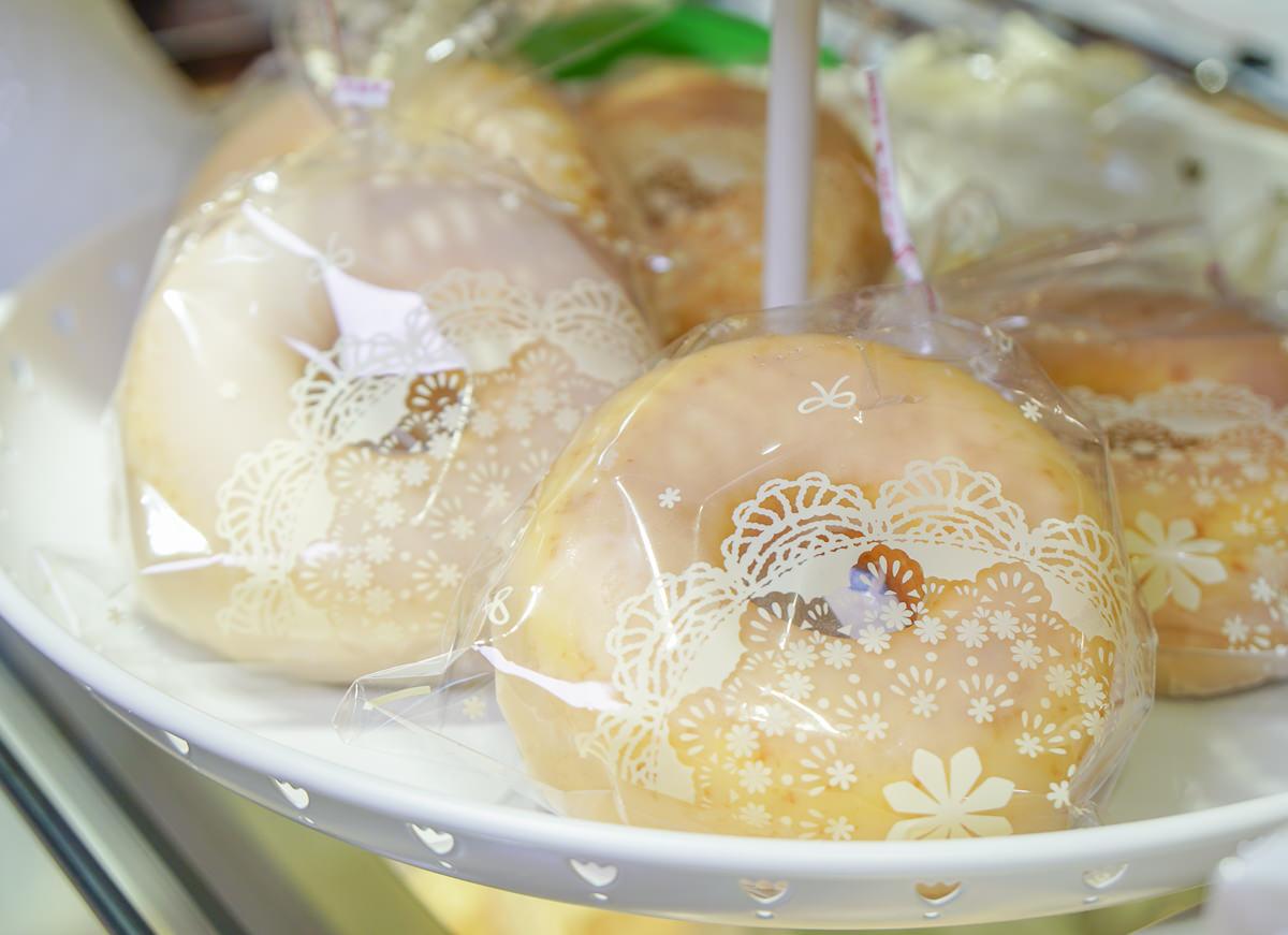 [高雄下午茶推薦]S S CAKE(河堤店)-超夢幻粉紅甜點店x繽紛水果千層派手工甜點 @美食好芃友