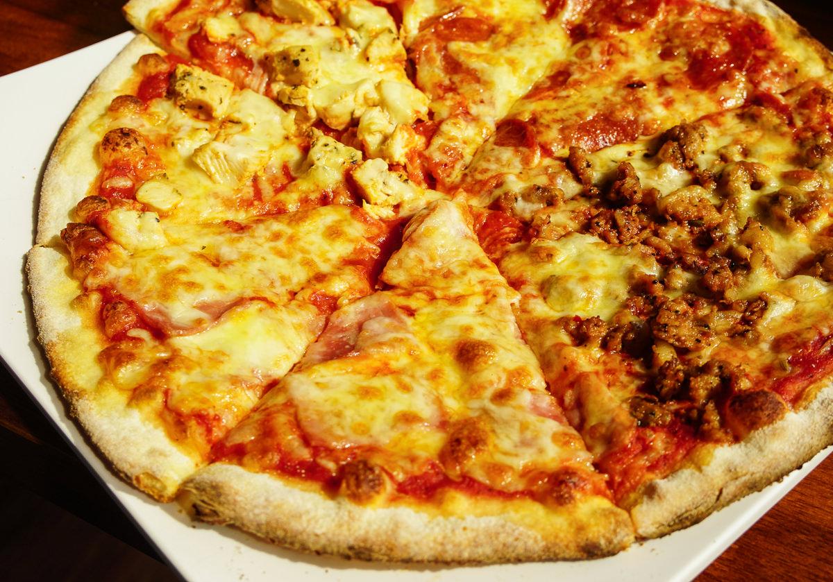 [高雄]搖滾披薩Pizza Rock(文衡店)-披薩店早午餐開賣!?滿500就披薩外送超方便 @美食好芃友