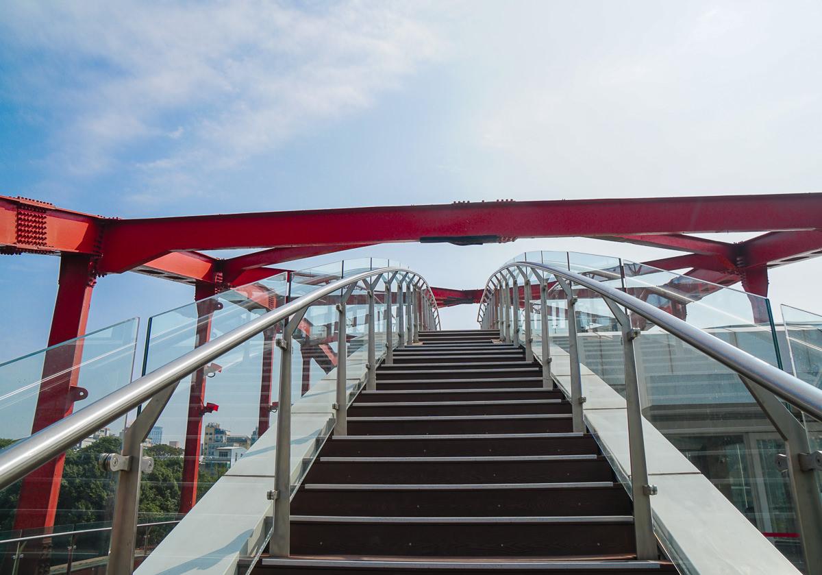 [高雄駁二美食]紅橋餐廳-高雄最浪漫陸橋景觀餐廳!超驚豔2019紅橋午餐菜單 @美食好芃友