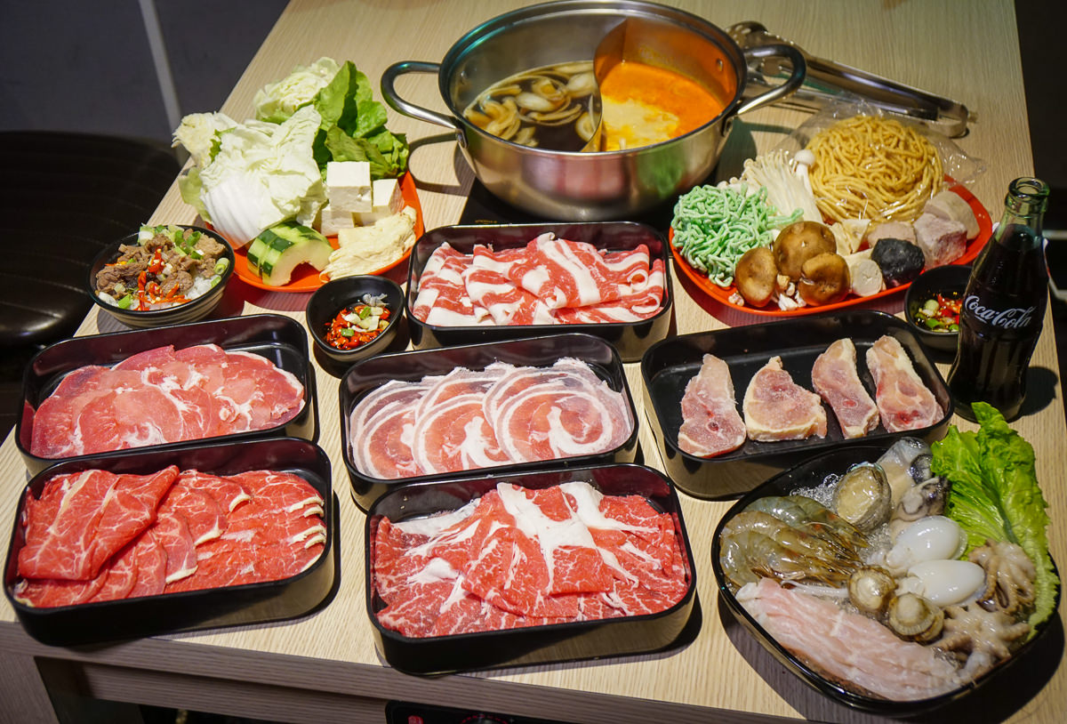 [高雄火鍋推薦]肉肉屋火鍋精緻吃到飽-高雄最香濃南洋叻沙湯頭!439+10%起安格斯牛肉吃到飽 @美食好芃友