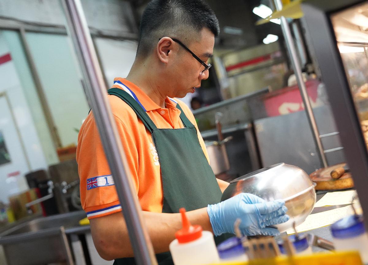[高雄左營美食]在地人鹽水雞(崇德店)-涮嘴鹽水雞!蔬菜多樣自由選~新鮮檸檬汁醬料超特別! @美食好芃友