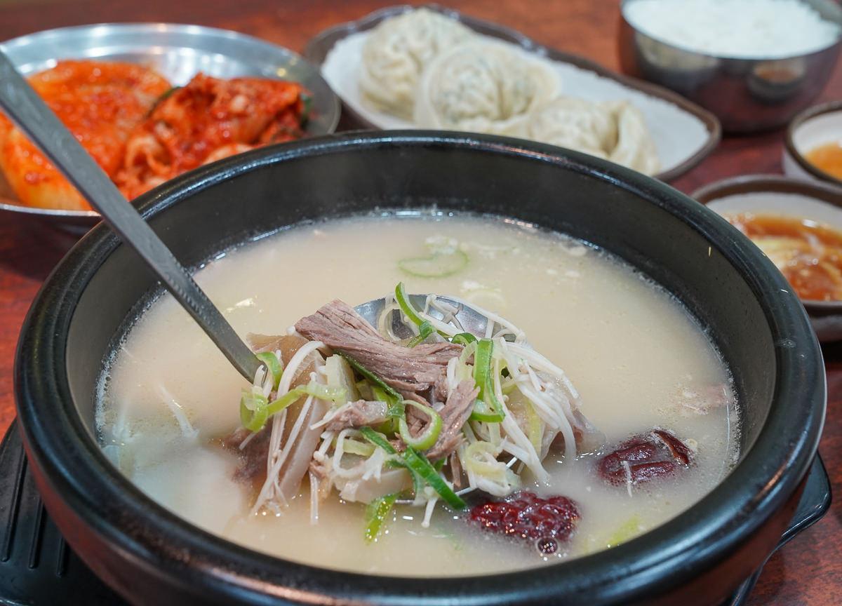 [首爾明洞美食]神仙雪濃湯-首爾必吃神仙雪濃湯!24小時營業從早餐吃到宵夜 @美食好芃友