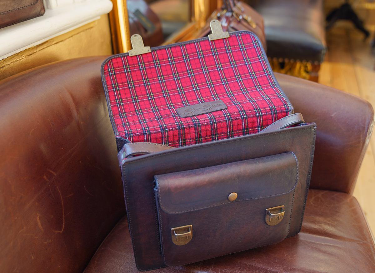 [英國皮包] Beara Beara 手工真皮復古包-超值得擁有的迷人英倫復古包(可寄送台灣) @美食好芃友