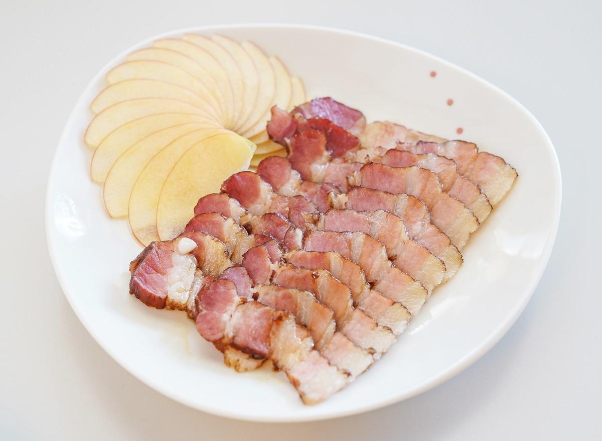 [高雄前金美食]迪波波藝食館-超澎湃~中西合璧雞腿青醬麵線x涮嘴甘蔗燻肉~超乎想像的創意小店 @美食好芃友