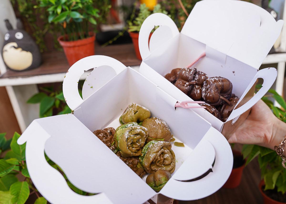 [高雄左營美食]三輪車創意甜點-超人氣排隊點心~花心鬆餅包麻糬熱騰騰會牽絲 @美食好芃友