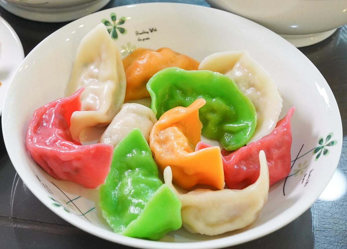 [高雄左營美食]圓元寶水餃麵食-繽紛4色手工水餃~好吃不貴的麵食選擇 @美食好芃友