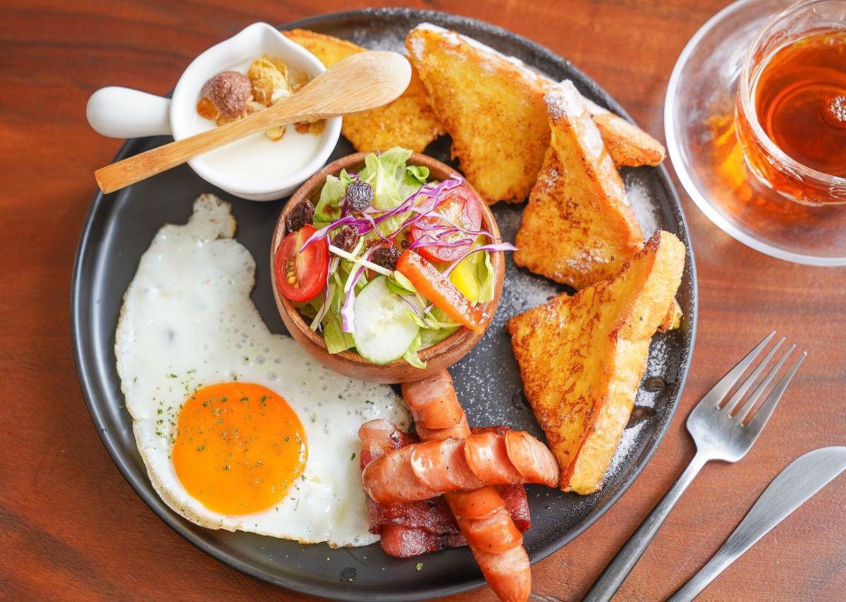 [高雄]Humble beginnings café – Kaohsiung 亨寶咖啡-復古文青老屋~極致到位美式早午餐!必吃漢堡排和歐姆蛋捲 @美食好芃友