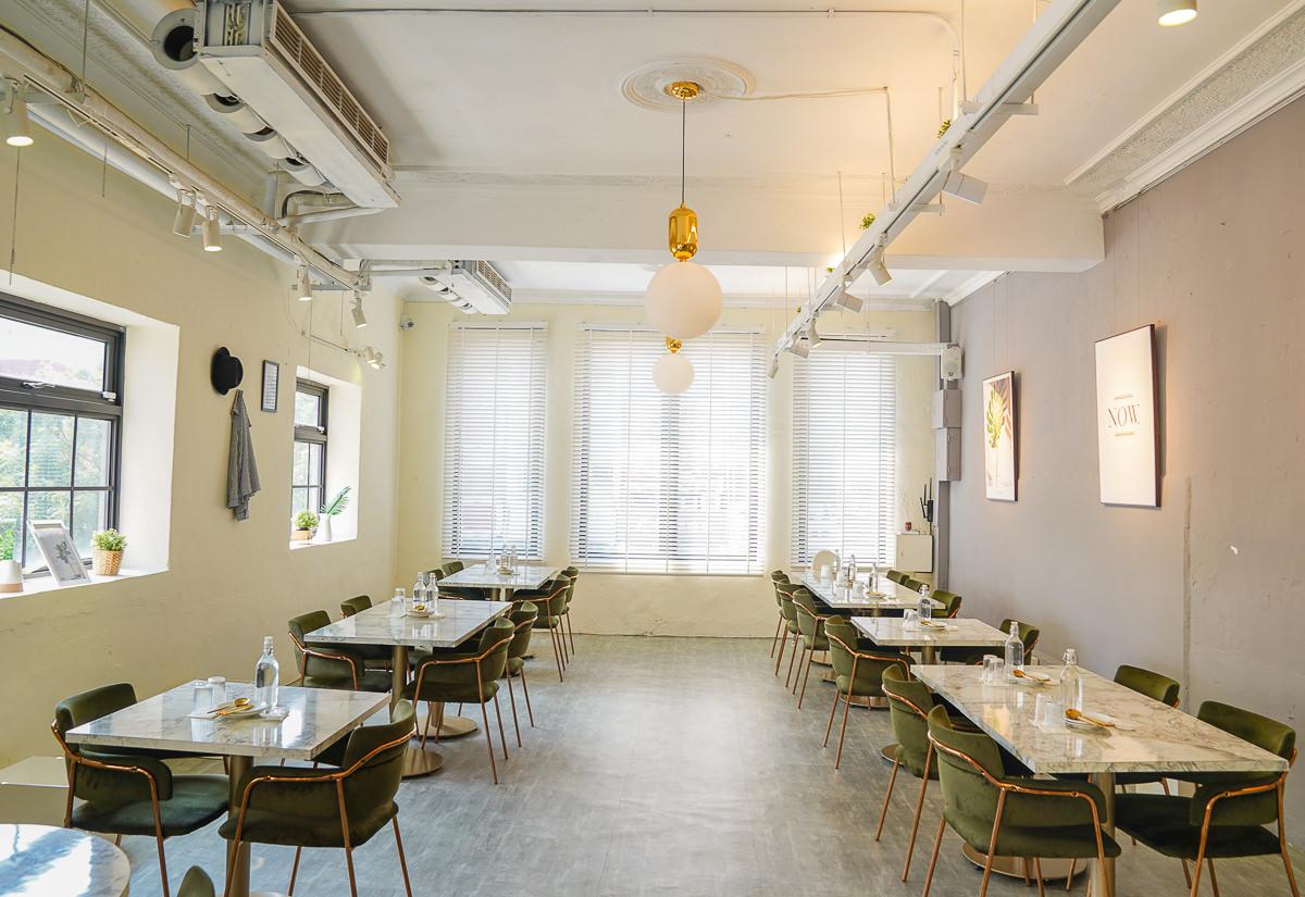[高雄鹽埕美食]島中堂-ig打卡超夯白色老屋x顛覆你印象的新派台菜餐廳 @美食好芃友
