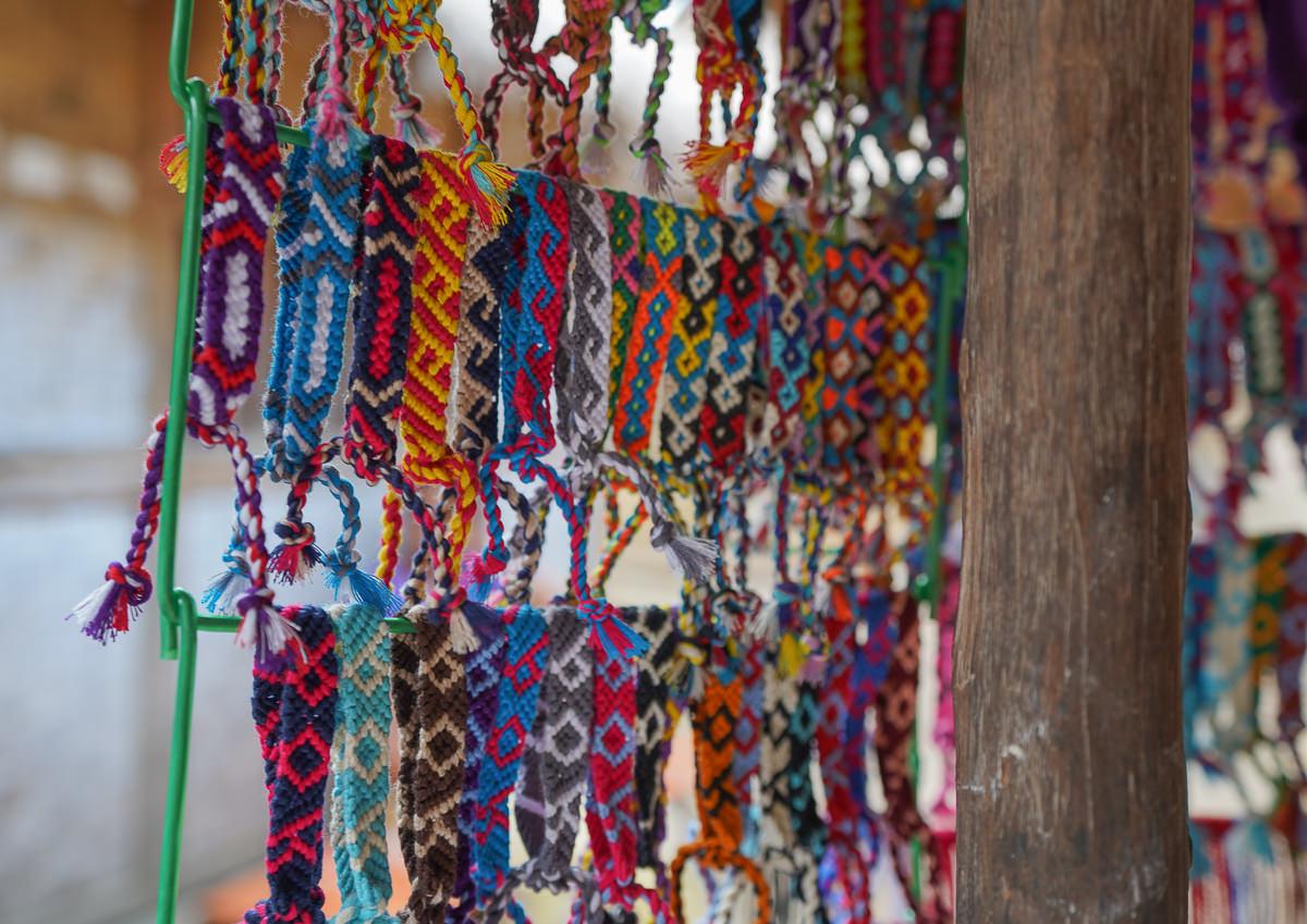 峇里島旁秘境-原始自然的龍目島!必遊聖吉吉海灘、薩薩克文化村、巴圖波隆廟 @美食好芃友