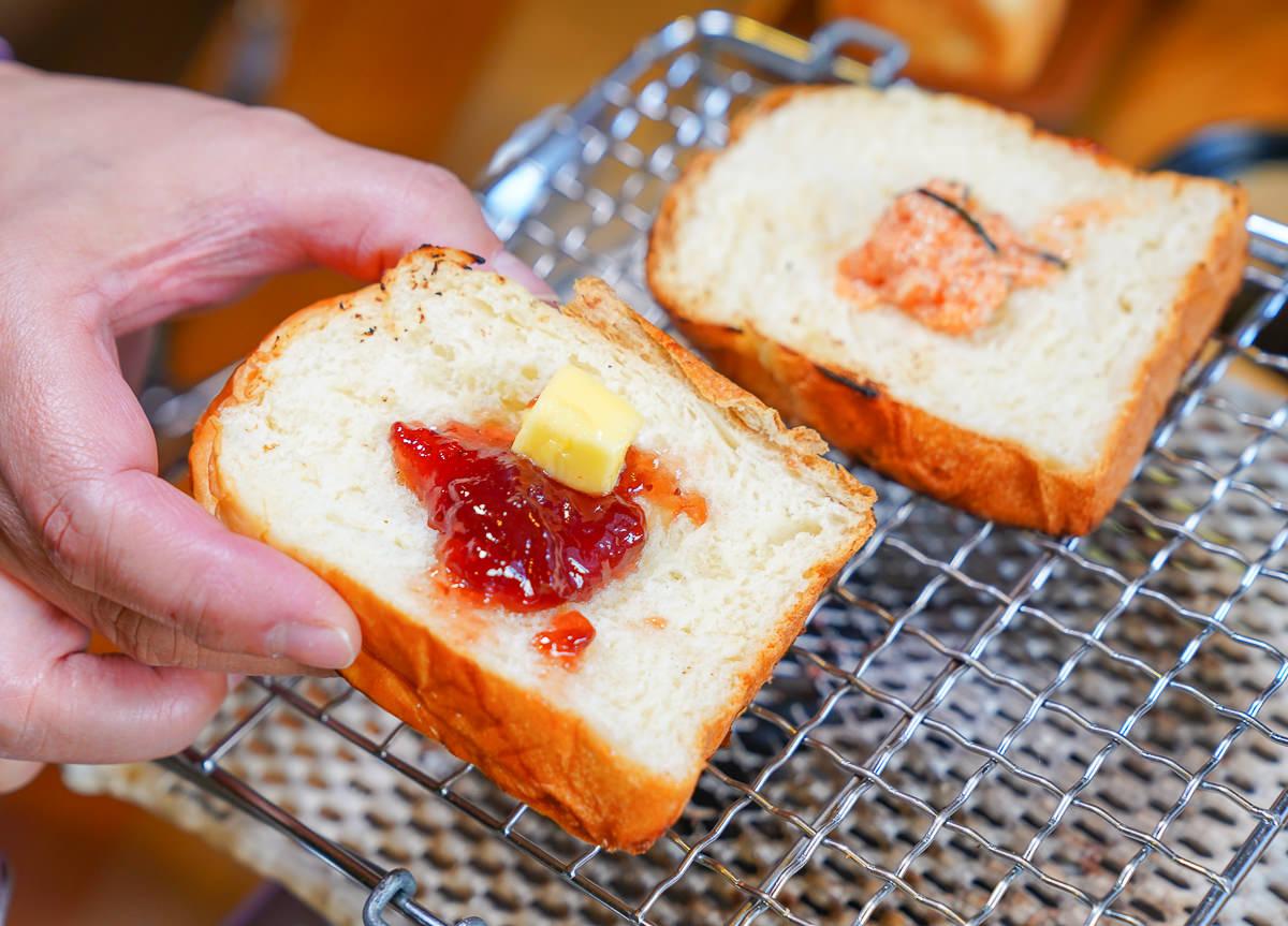 [高雄早午餐]木上角食-河堤社區歐風木屋~必吃牛奶烤吐司x叻沙雞腿濃鍋! @美食好芃友