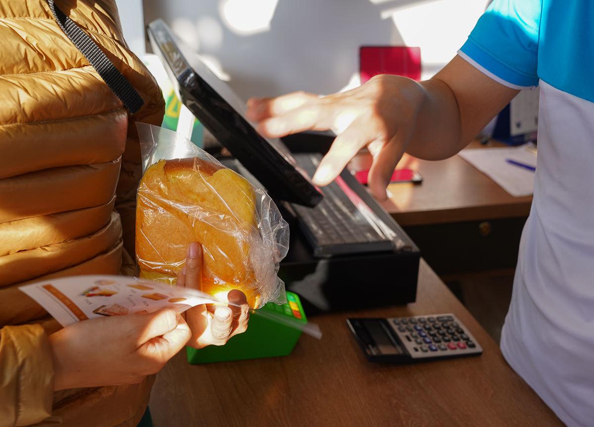 [高雄鹽埕美食]米諾琪手作烘焙-幾小時賣光限量人氣手工吐司x好吃到停不了的純蜂蜜蛋糕 @美食好芃友