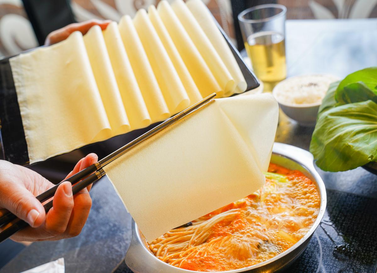 [高鐵左營美食]九勺涮涮鍋-超高C/P值海陸雙人套餐火鍋~浮誇三層肉盤x澎湃海鮮盅 @美食好芃友