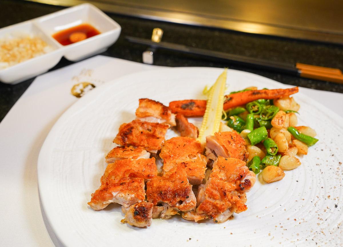 [高雄]CP值爆表!漢來鐵板燒小資享樂優惠午餐~一人980元有四種主餐可選!還有沙拉、麵包、前菜、湯品和甜點 @美食好芃友