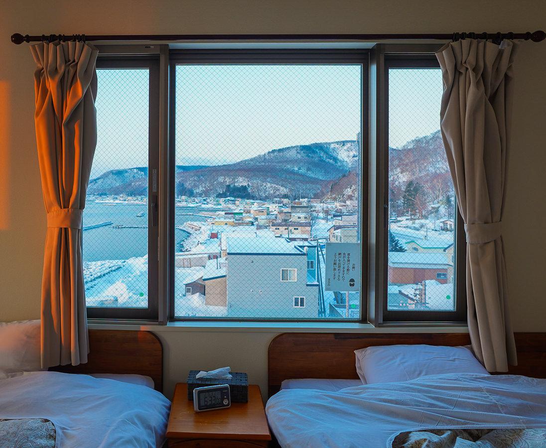 [北海道道東]羅臼の宿 まるみ-根室海峽旁最佳景觀飯店!絕美日出x超豐盛海鮮一泊二食 @美食好芃友