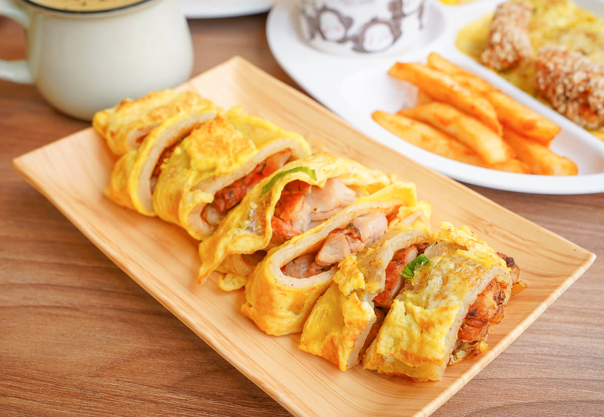 [高雄早午餐]日十。早午食(鳳山店)-銅板價質感早午餐店~大推大份量無骨雞腿排蛋餅! @美食好芃友