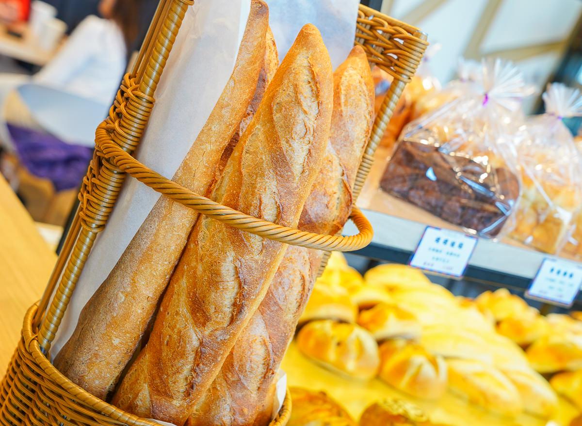 [高雄鼓山美食]日光巴黎美術館店-高美館週邊最熱門麵包咖啡店~銅板價麵包x甜點x咖啡一次滿足 @美食好芃友