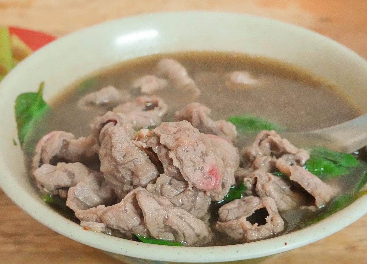 [潮州美食推薦]潮州牛肉亮-肉片滿出來平價牛肉湯~濃郁滋味牛肉燴飯必吃! @美食好芃友