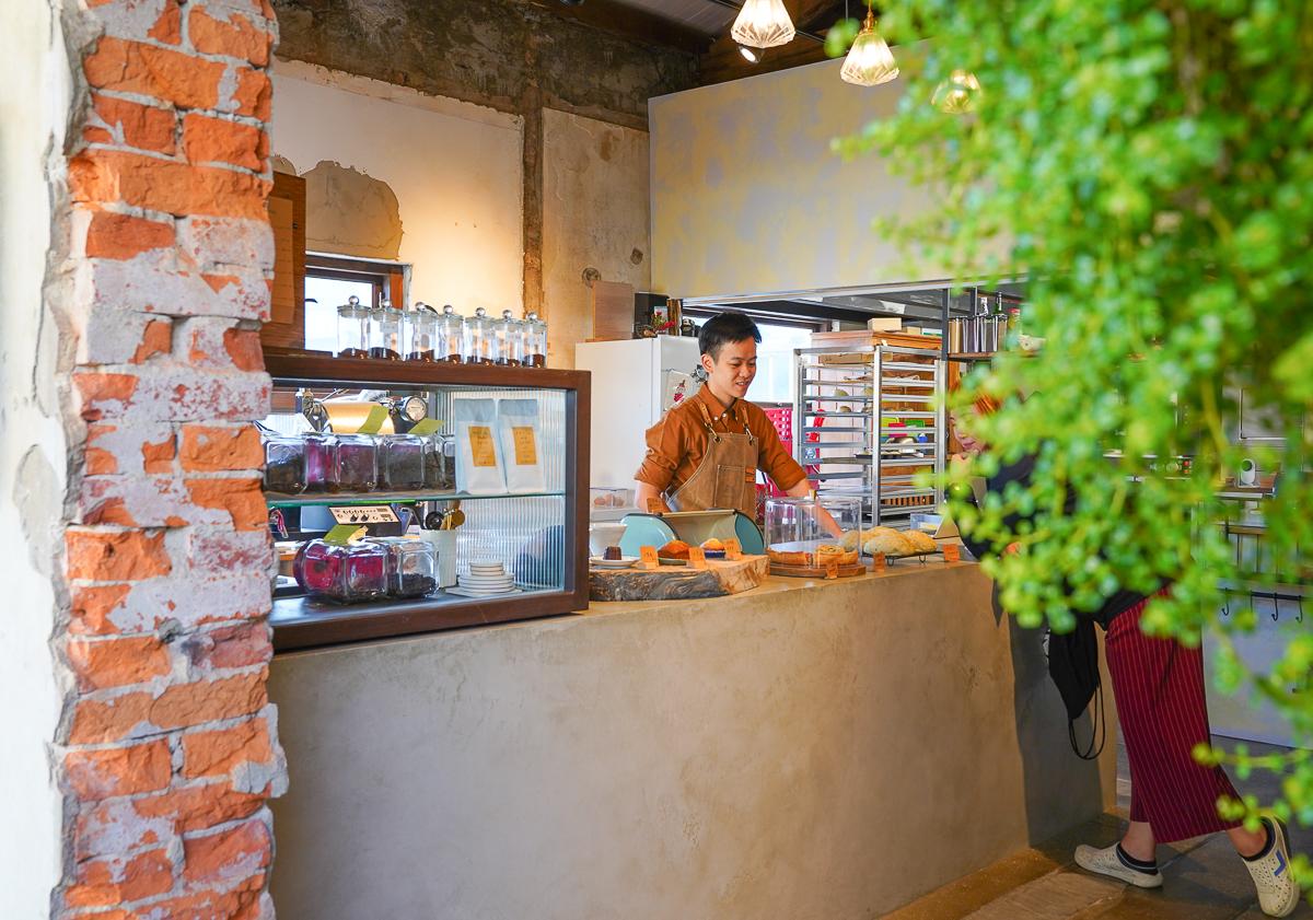 [恆春美食推薦]伯虎在二樓.恆春But Who-時計制文青老宅咖啡店~驚豔烘焙麵包甜點 @美食好芃友