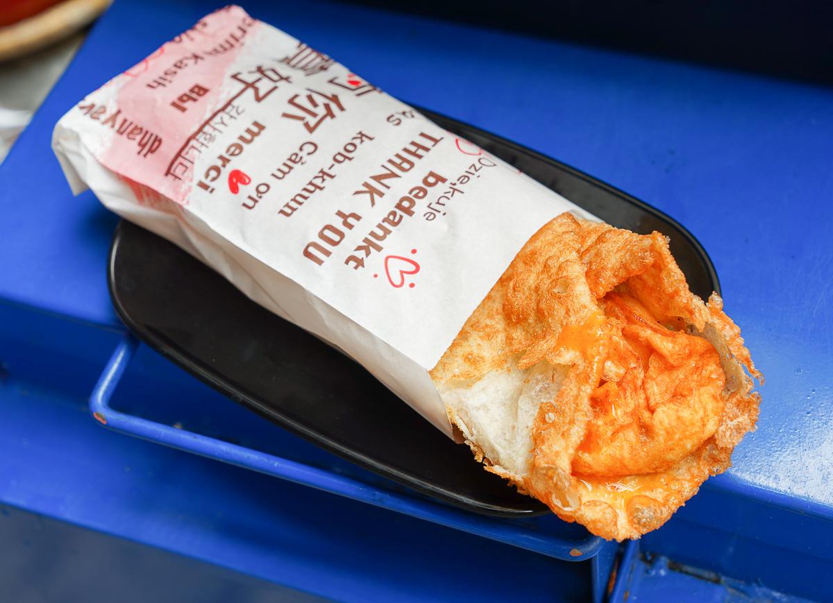 [高雄左營美食]老爺車炮蛋蔥油餅-銷魂現做爆漿蔥油餅~銅板價左營小吃 @美食好芃友