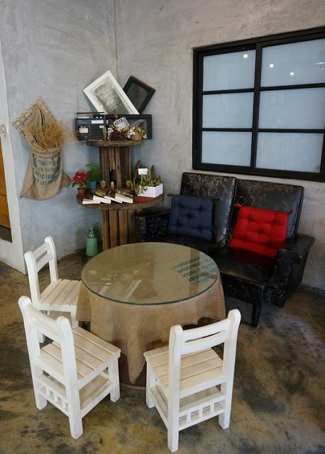[高雄]河畔日式老屋嘗輕食˙品咖啡-2ins:H cafe 好雙咖啡 @美食好芃友