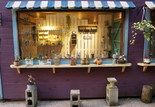 [苗栗]山裡的溫暖鄉村風小屋-南庄橄欖樹戶外咖啡民宿 @美食好芃友