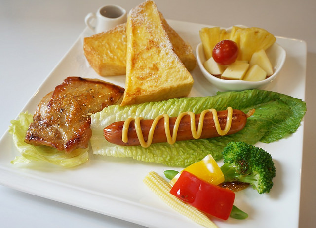 [台南]慢活X健康美味早午餐-白色曙光Light café @美食好芃友