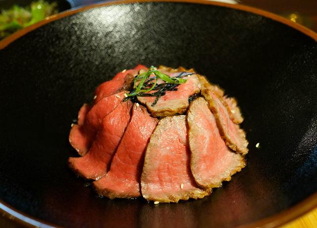 [台南]午間限定!頂級和牛燒肉丼套餐-貴一郎健康燒肉屋 @美食好芃友