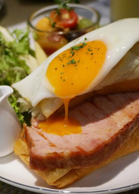 [高雄]高貴不貴!美味精緻早午餐拼盤K&R Brunch & Lounge @美食好芃友