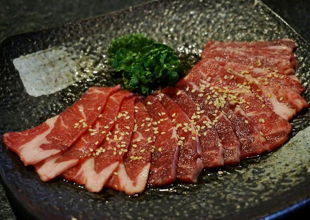 [高雄]頂級燒肉!美味和牛饗宴-Mist迷霧精緻燒肉 @美食好芃友
