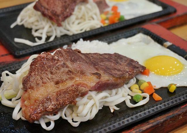 [高雄]平價美味原塊牛排,激推海陸大餐-放牛班長(原味牛排專賣店) @美食好芃友