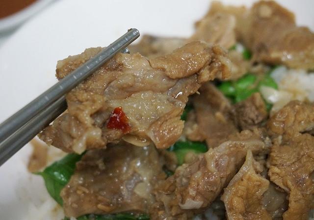 [高雄]經典台灣味,好吃牛肉炒麵燴飯-賴潮州牛雜湯 @美食好芃友