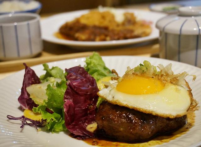 [高雄]清爽系日式洋食!日式漢堡排X味噌炸豬排-匯景屋食事/甘味/珈琲 @美食好芃友