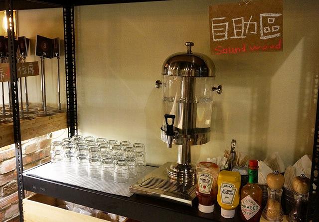[高雄]低調特色咖啡店X好吃義麵-三悟棧咖啡旅店 SOUND WOOD CAFE @美食好芃友