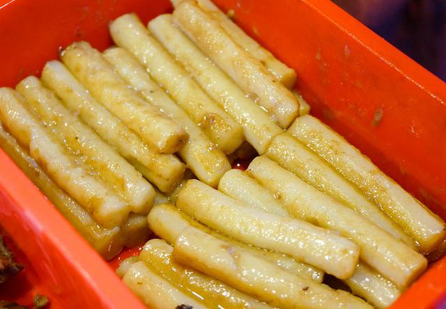 [高雄]獨門甘蔗醬汁滷味!滷腳筋滷豬皮太正點~沙茶米血也來一份-甘蔗滷味 @美食好芃友