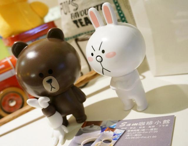 [台北]太超過!!完全少女療癒系熊大兔兔咖啡下午茶-Sam咖啡 @美食好芃友