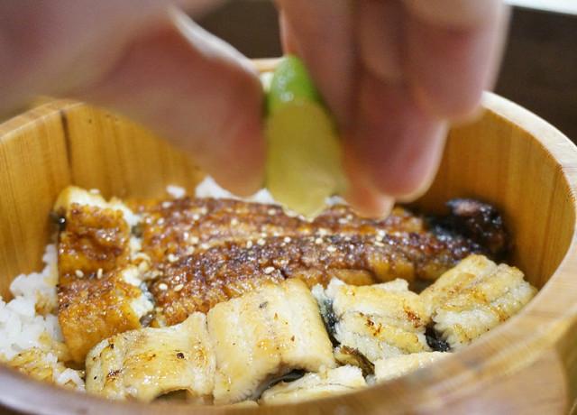 [高雄]新鮮現烤鰻魚飯!一鰻三吃的美味-僕.燒鰻 @美食好芃友