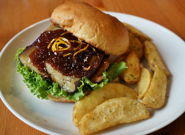 [台中]老房子享美味漢堡包-for Farm Burger 田樂(一店) @美食好芃友