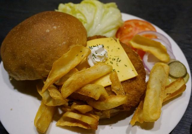 [高雄]創新巧克力漢堡!?美味手打漢堡肉-布雷克漢堡Black Hamburger @美食好芃友