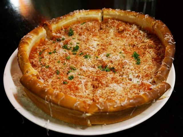 [高雄]超威的爆餡起司比薩派-Jacaranda天生澳克漢口店(原The Bayou深盤pizza) @美食好芃友