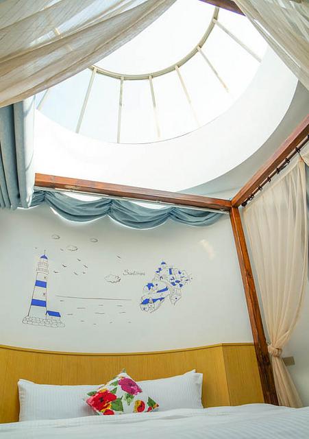 [澎湖]菊島輕旅行!藍天白建築超美住宿推薦-Love Tour 樂圖漫遊會館 @美食好芃友
